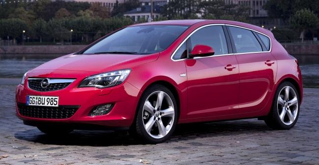 В салонах появились первые Opel Astra New российской сборки