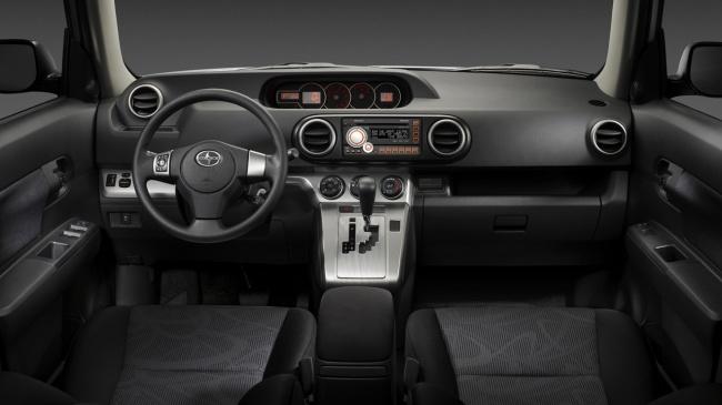 Scion хВ 2011 interior