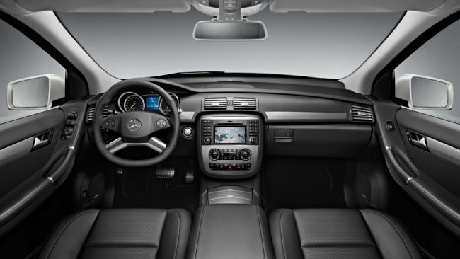 Mercedes-Benz R-Class 2011 interior
