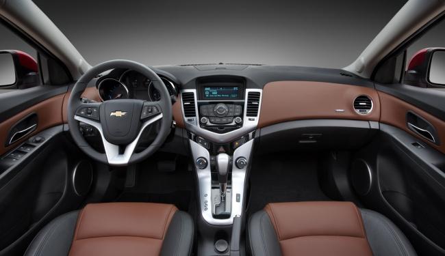 Chevrolet Cruze 2011 interior