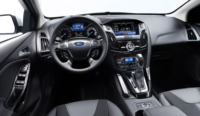 Ford Focus 2011 interior