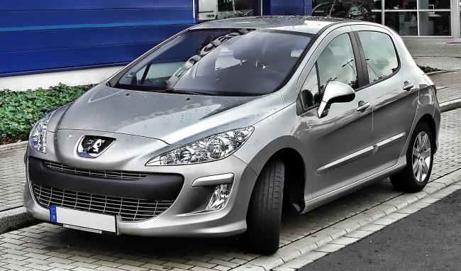 Стоимость калужского Peugeot 308 снизилась на 100 000 рублей