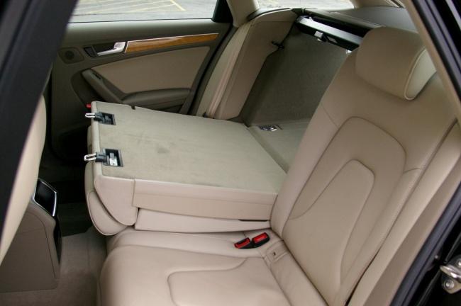 Audi A4 Avant 2009 - задние сидения