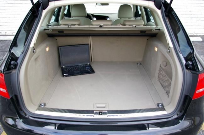 Багажник Audi A4 Avant 2009