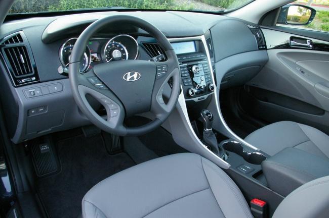 Интерьер Hyundai Sonata 2011