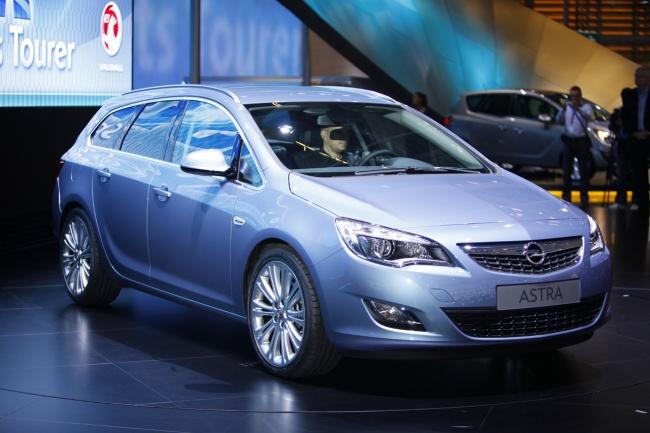 Озвучены российские цены на Opel Astra Sports Tourer