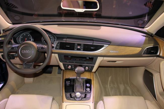 Состоялась мировая премьера обновленной Audi А6 Avant