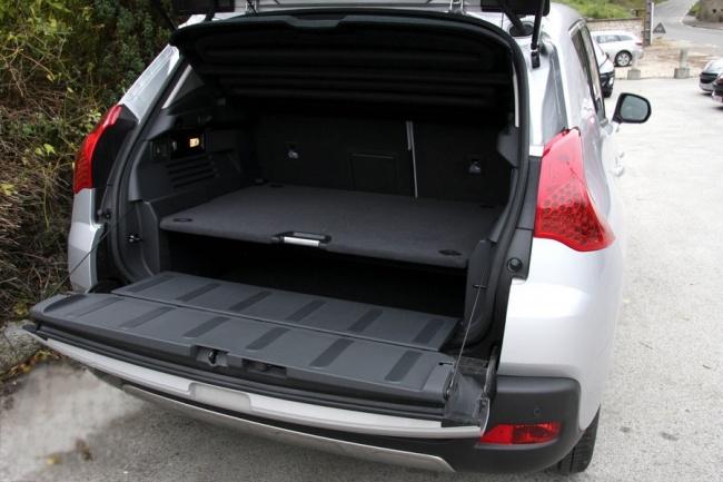 Peugeot 3008 back