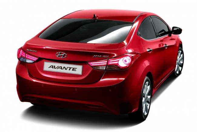Официально представлена новая Hyundai Elantra