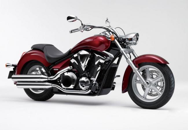 Honda представила  новые модели VT1300CS и VT1300CR