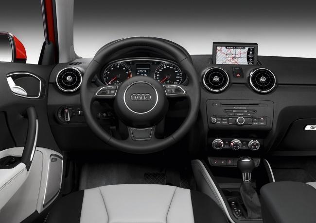 Приборная панель Audi A1