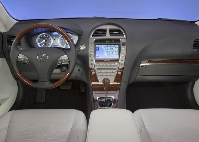 Российские продажи седана Lexus ES 350 стартуют на этой неделе