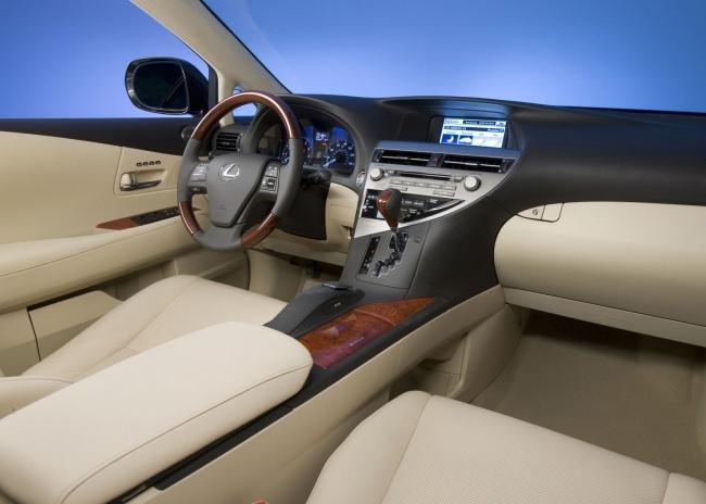 Стартовали российские продажи Lexus RX 270