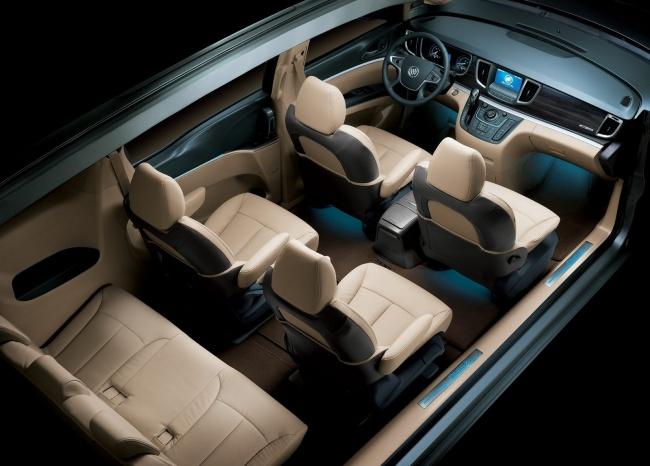 General Motors представил Buick GL8 нового поколения