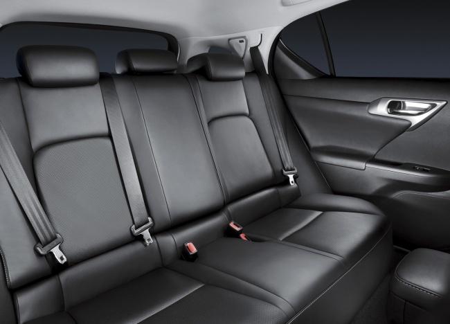 Объявлены цены на гибридный Lexus CT 200h