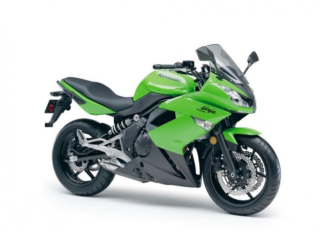 В продажу поступит новый Kawasaki Ninja 400R