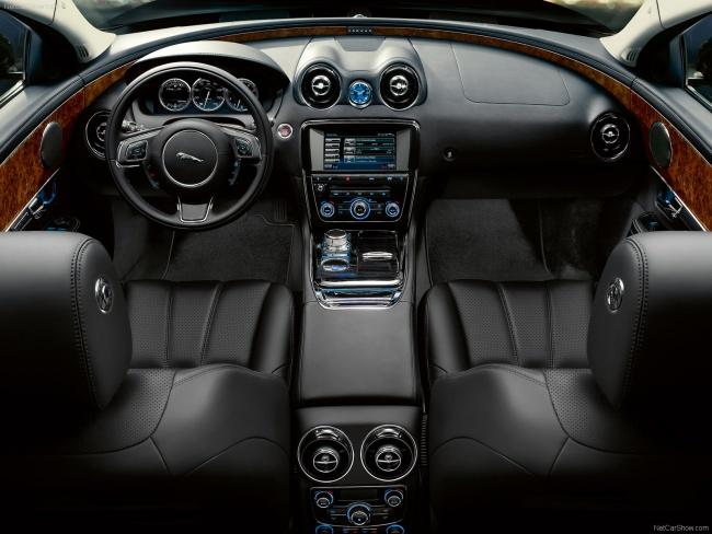 Приборная панель Jaguar XJ Sentinel