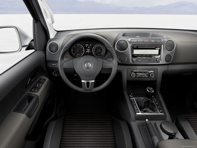 Интерьер Volkswagen Amarok