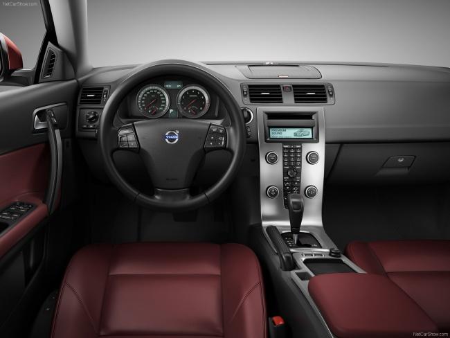Приборная панель Volvo C70