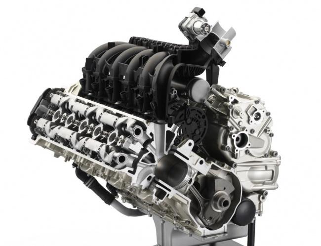 kBMW показала в Милане два новых круизера K 1600 GT и K 1600 GTL