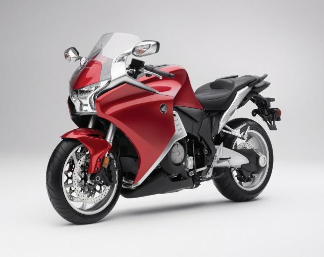 Новый супербайк от Honda поступит в продажу уже в июле